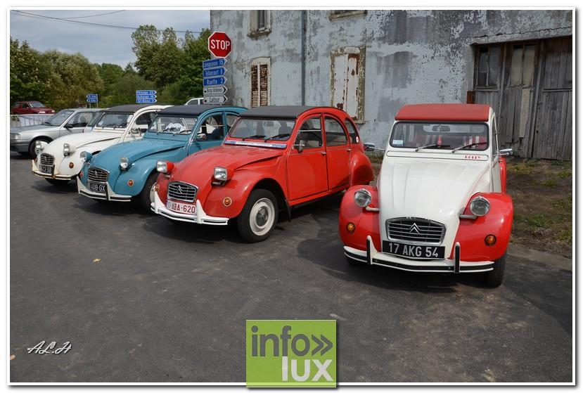 Exposition de véhicules anciens à Gomery