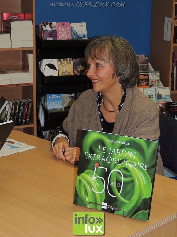 Claudine Brasseur en visite à la Librairie Oxygène de Neufchâteau !