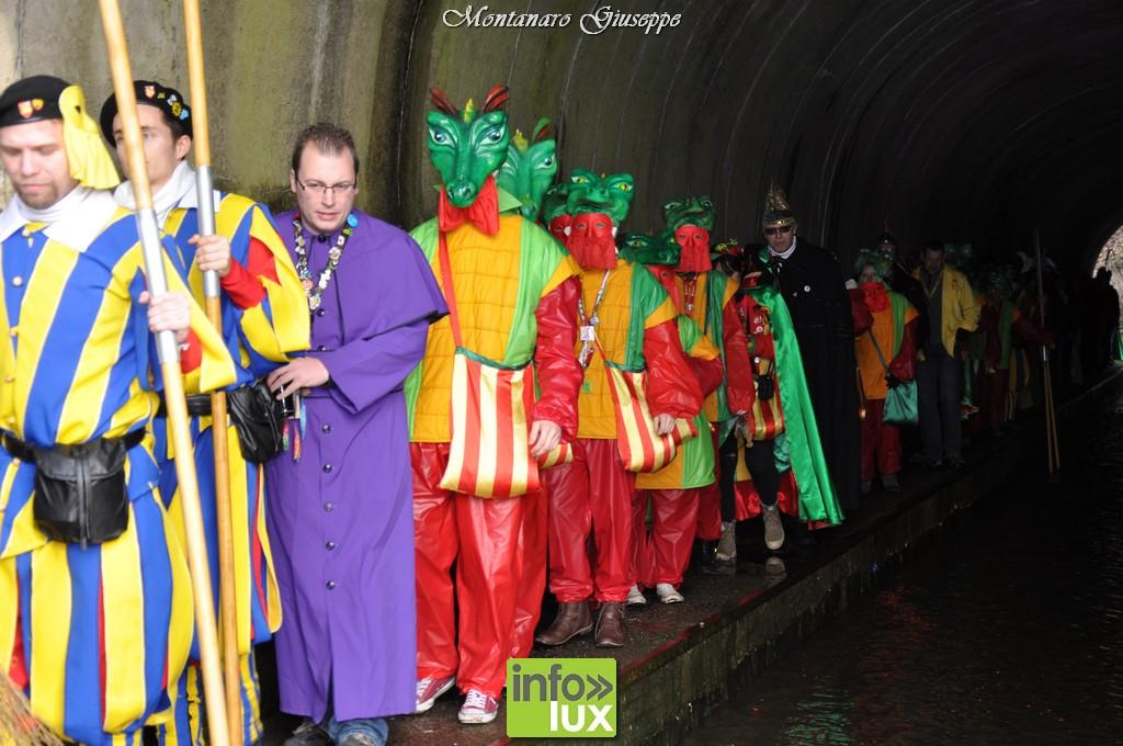 Carnaval de  Marche-en-famenne photos  Intronisation du Grand Mautchî