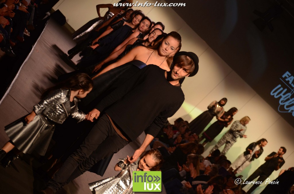 images/stories/PHOTOSREP/2016Octobre/LuxFashion3/Fashion235