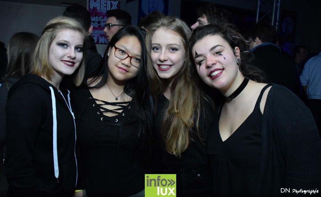 //media/jw_sigpro/users/0000002463/Halloween dancing club a meix dvt/image00022