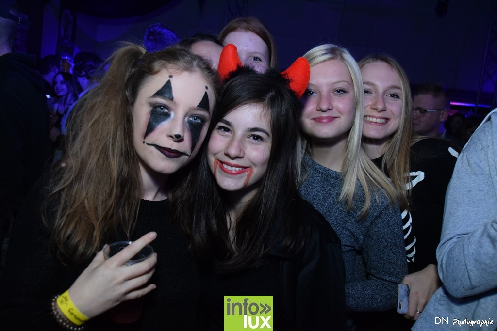 //media/jw_sigpro/users/0000002463/Halloween dancing club a meix dvt/image00056