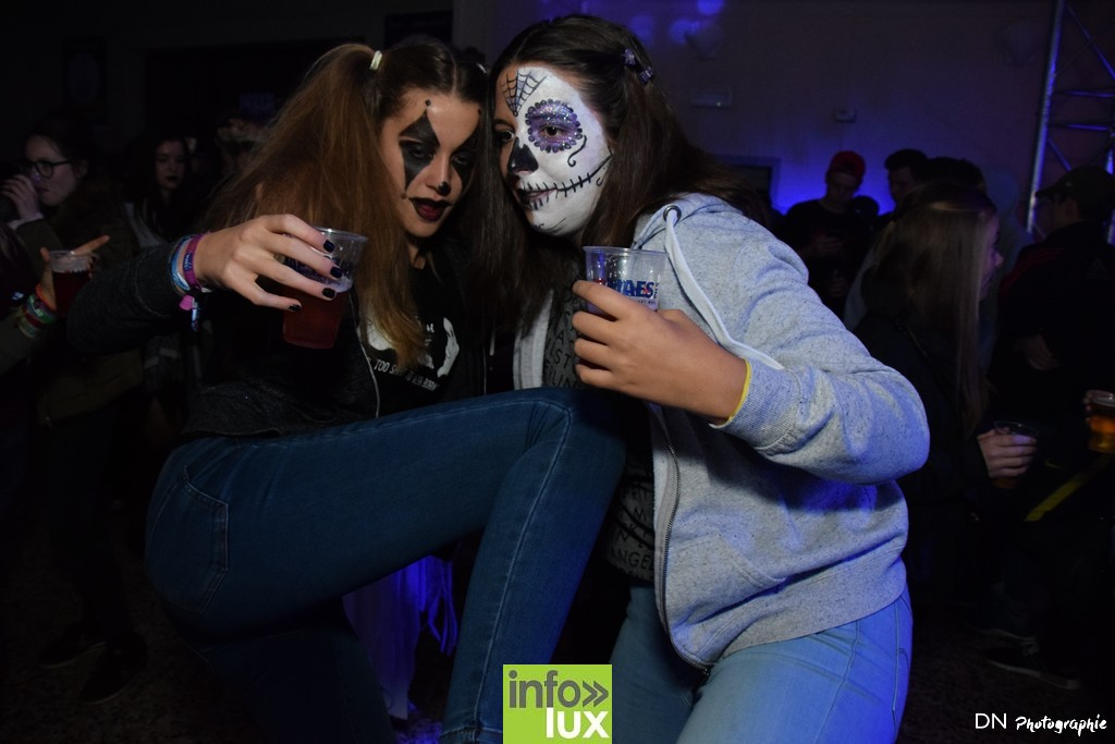 //media/jw_sigpro/users/0000002463/Halloween dancing club a meix dvt/image00062