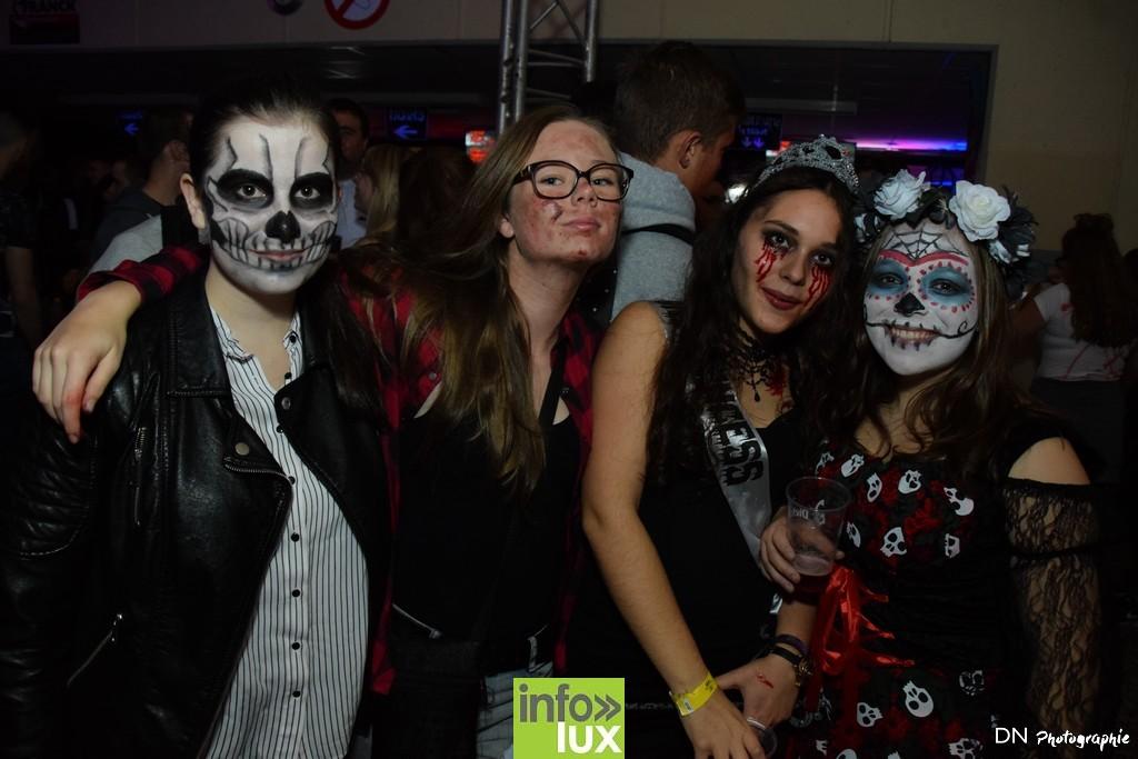 //media/jw_sigpro/users/0000002463/Halloween dancing club a meix dvt/image00088