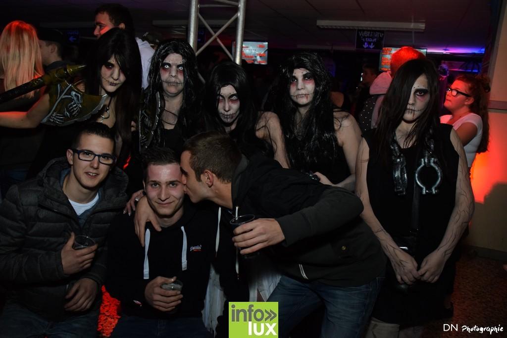 //media/jw_sigpro/users/0000002463/Halloween dancing club a meix dvt/image00095