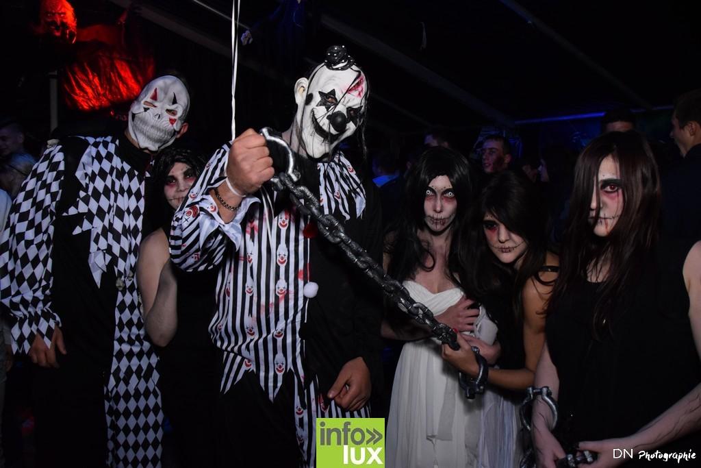 //media/jw_sigpro/users/0000002463/Halloween dancing club a meix dvt/image00121