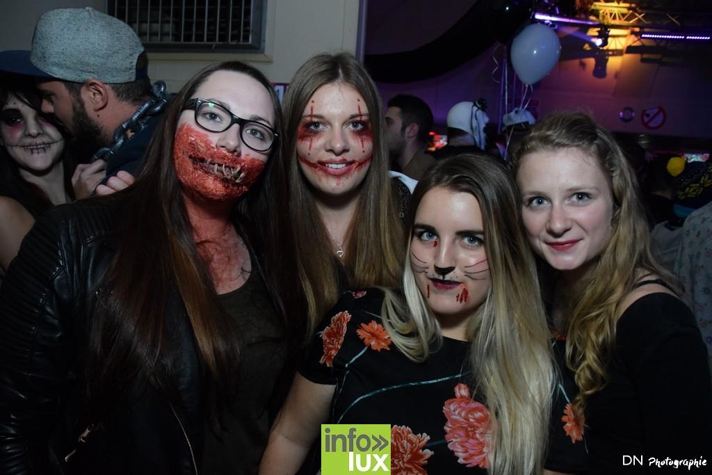 //media/jw_sigpro/users/0000002463/Halloween dancing club a meix dvt/image00122