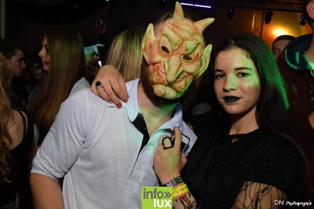 //media/jw_sigpro/users/0000002463/Halloween dancing club a meix dvt/image00125