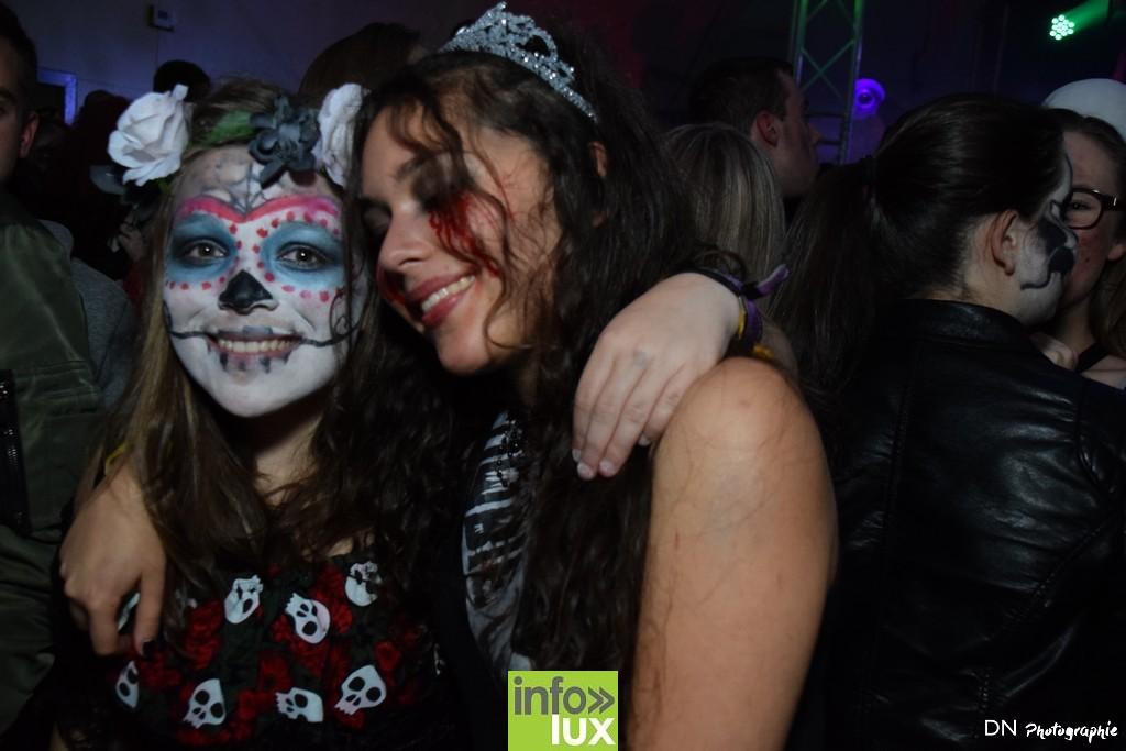 //media/jw_sigpro/users/0000002463/Halloween dancing club a meix dvt/image00128