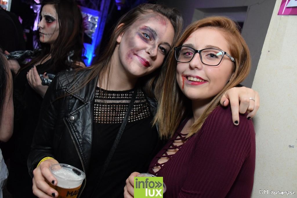 //media/jw_sigpro/users/0000002463/Halloween dancing club a meix dvt/image00144