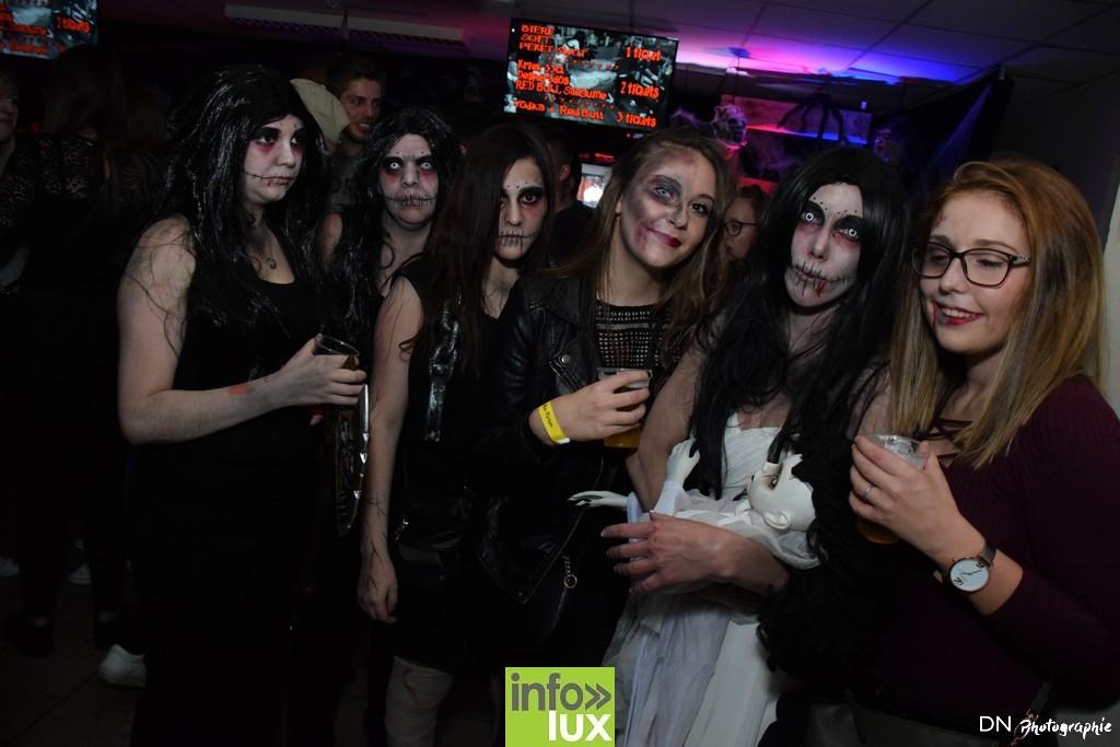 //media/jw_sigpro/users/0000002463/Halloween dancing club a meix dvt/image00145