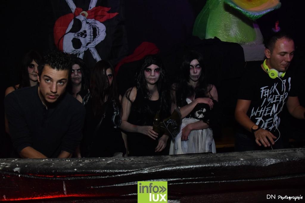 //media/jw_sigpro/users/0000002463/Halloween dancing club a meix dvt/image00153