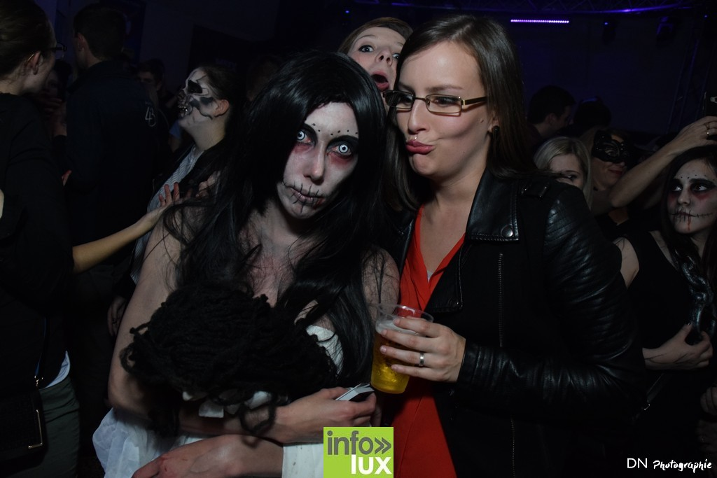 //media/jw_sigpro/users/0000002463/Halloween dancing club a meix dvt/image00162