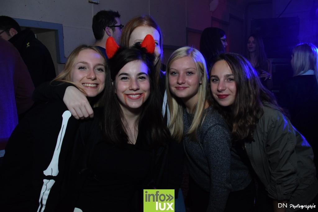 //media/jw_sigpro/users/0000002463/Halloween dancing club a meix dvt/image00175