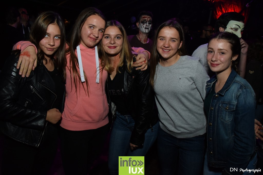 //media/jw_sigpro/users/0000002463/Halloween dancing club a meix dvt/image00187