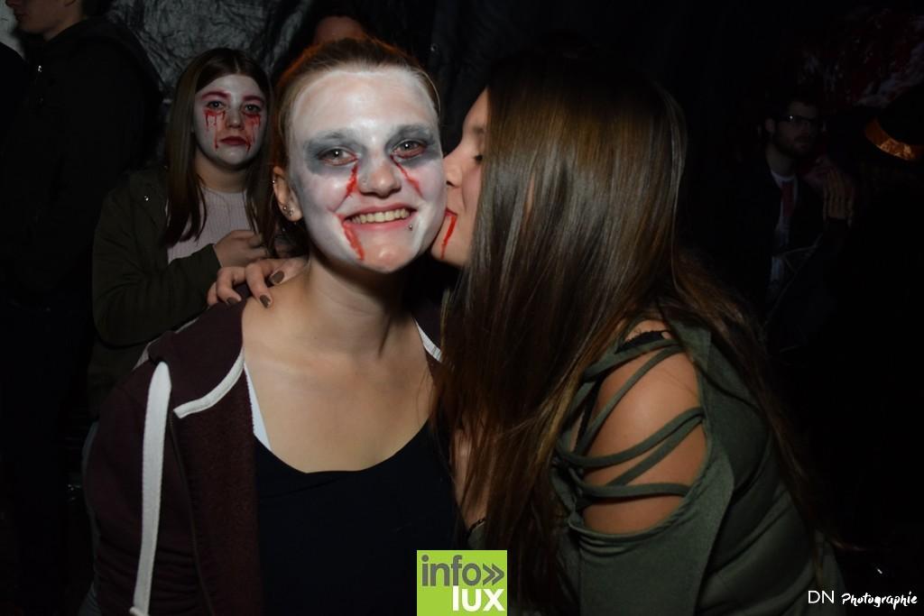//media/jw_sigpro/users/0000002463/Halloween dancing club a meix dvt/image00198