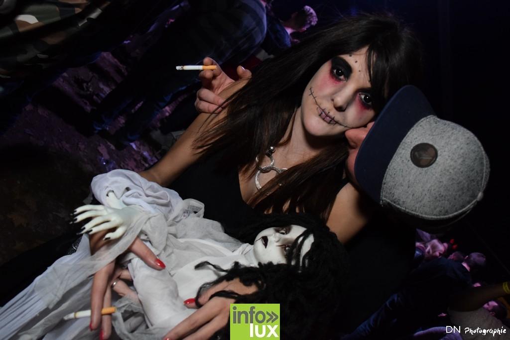 //media/jw_sigpro/users/0000002463/Halloween dancing club a meix dvt/image00201