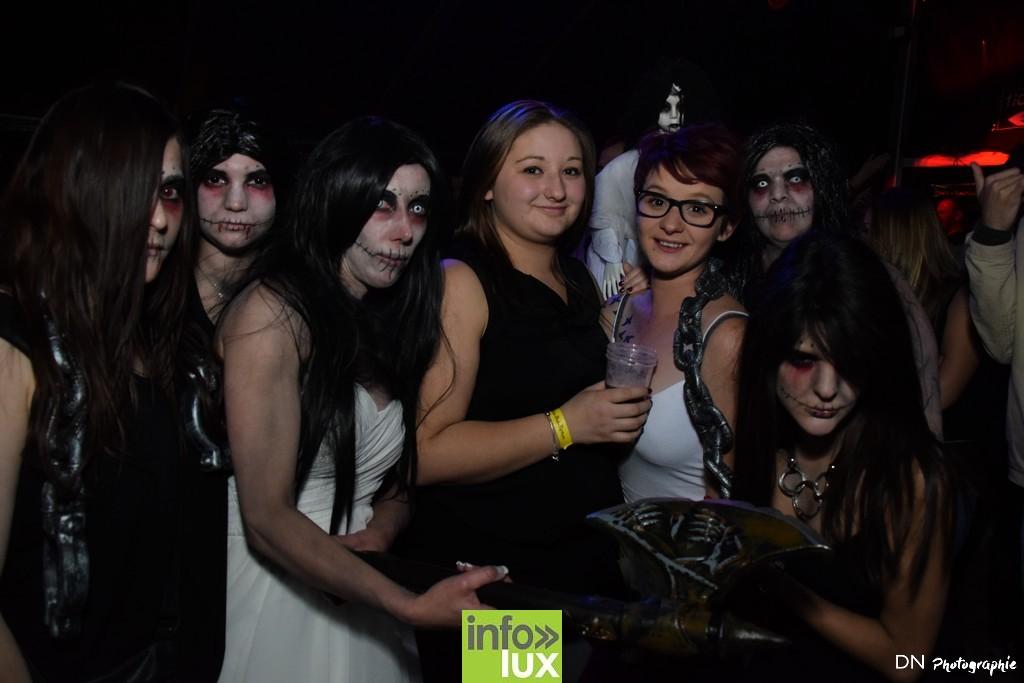 //media/jw_sigpro/users/0000002463/Halloween dancing club a meix dvt/image00221