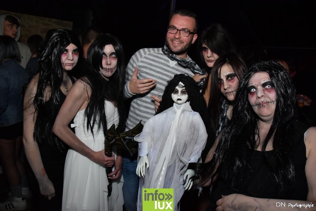 //media/jw_sigpro/users/0000002463/Halloween dancing club a meix dvt/image00226
