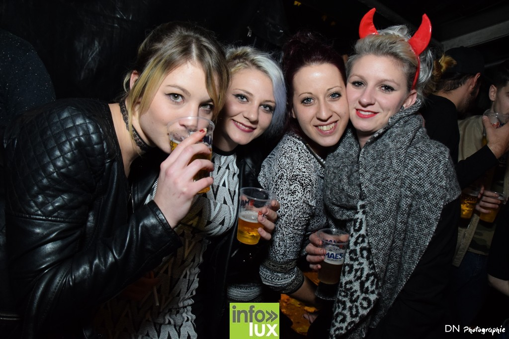 //media/jw_sigpro/users/0000002463/Halloween dancing club a meix dvt/image00245
