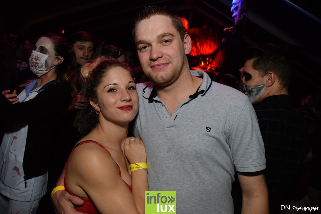 //media/jw_sigpro/users/0000002463/Halloween dancing club a meix dvt/image00268