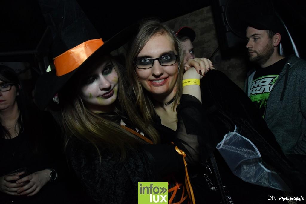 //media/jw_sigpro/users/0000002463/Halloween dancing club a meix dvt/image00272
