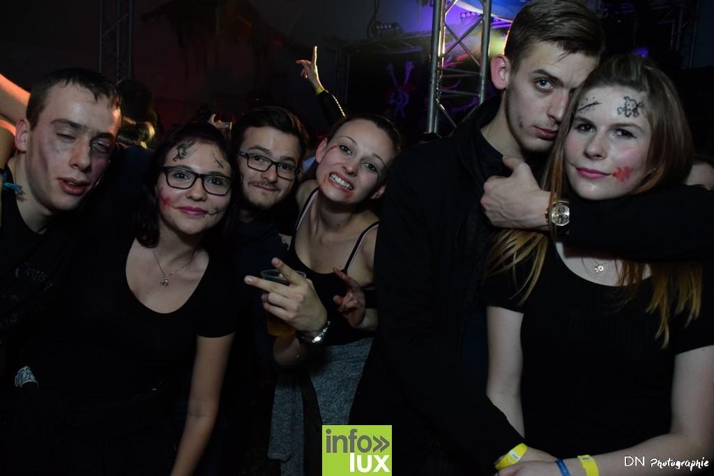 //media/jw_sigpro/users/0000002463/Halloween dancing club a meix dvt/image00278