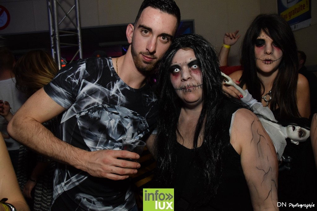 //media/jw_sigpro/users/0000002463/Halloween dancing club a meix dvt/image00290