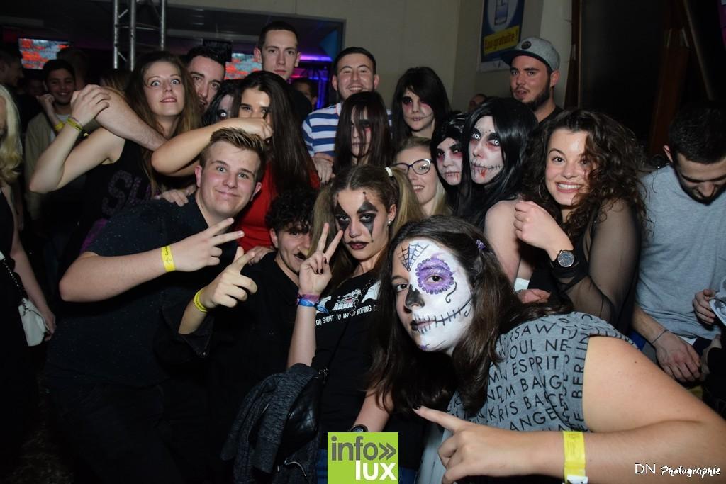 //media/jw_sigpro/users/0000002463/Halloween dancing club a meix dvt/image00296