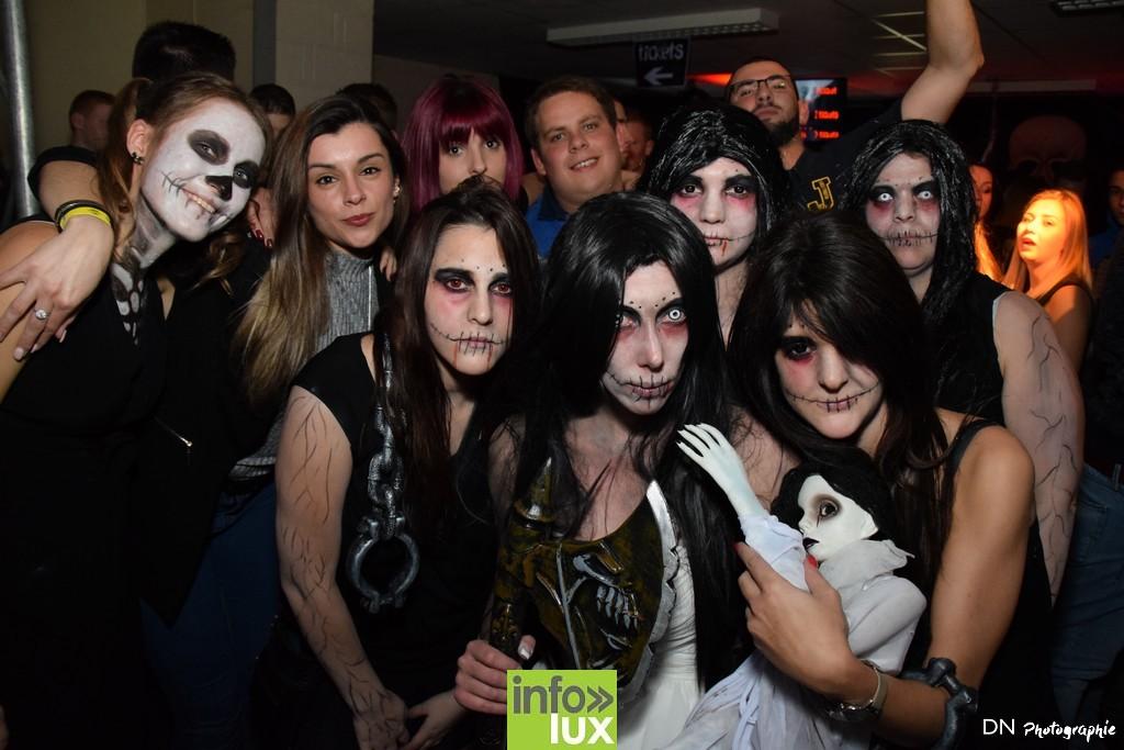 //media/jw_sigpro/users/0000002463/Halloween dancing club a meix dvt/image00307