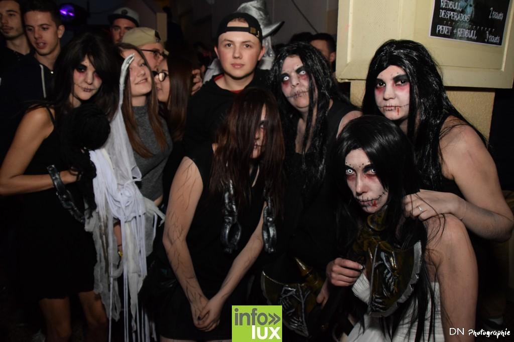 //media/jw_sigpro/users/0000002463/Halloween dancing club a meix dvt/image00317