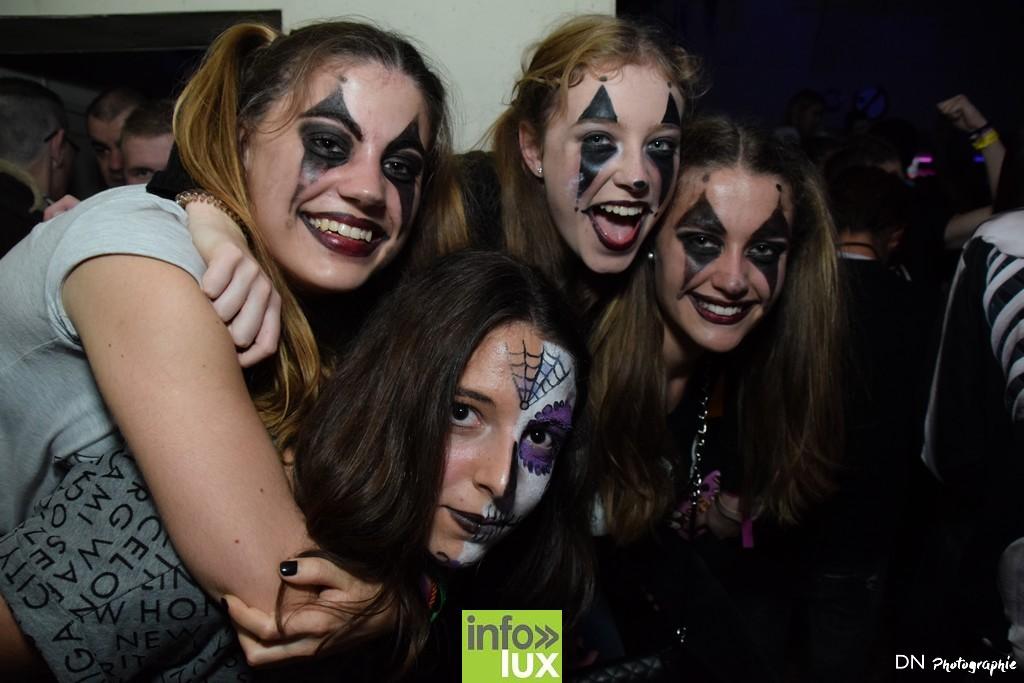 //media/jw_sigpro/users/0000002463/Halloween dancing club a meix dvt/image00325