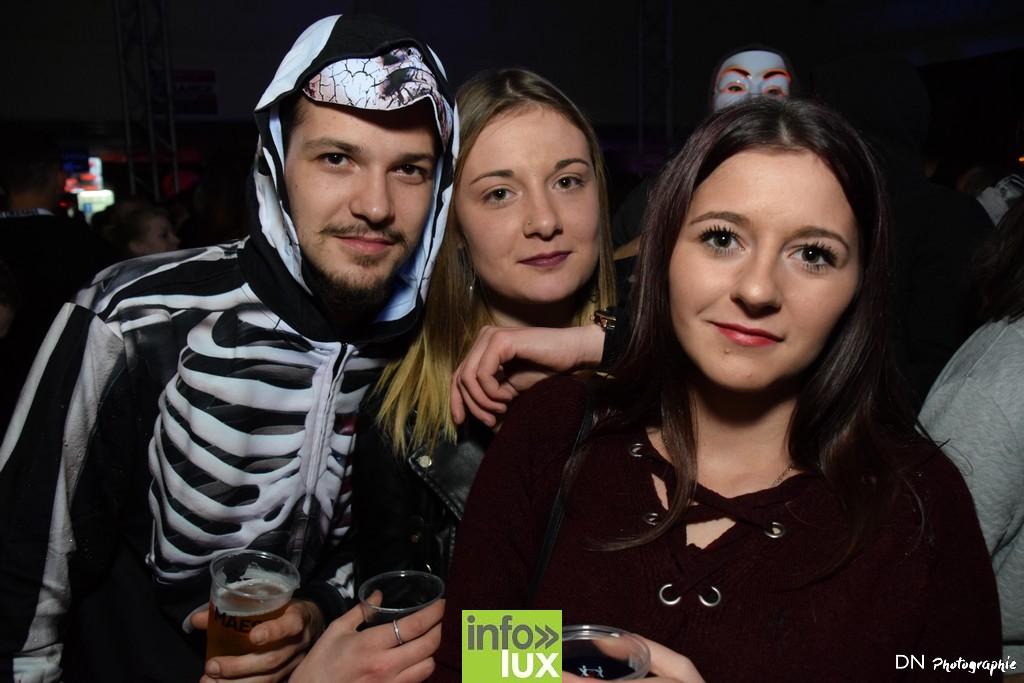 //media/jw_sigpro/users/0000002463/Halloween dancing club a meix dvt/image00329