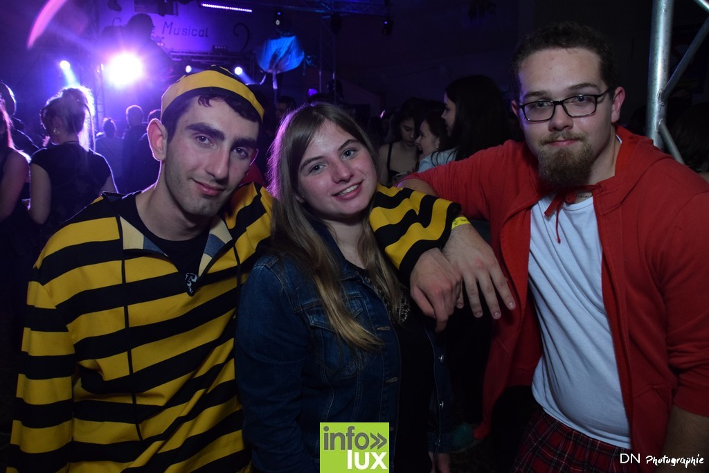 //media/jw_sigpro/users/0000002463/Halloween dancing club a meix dvt/image00371