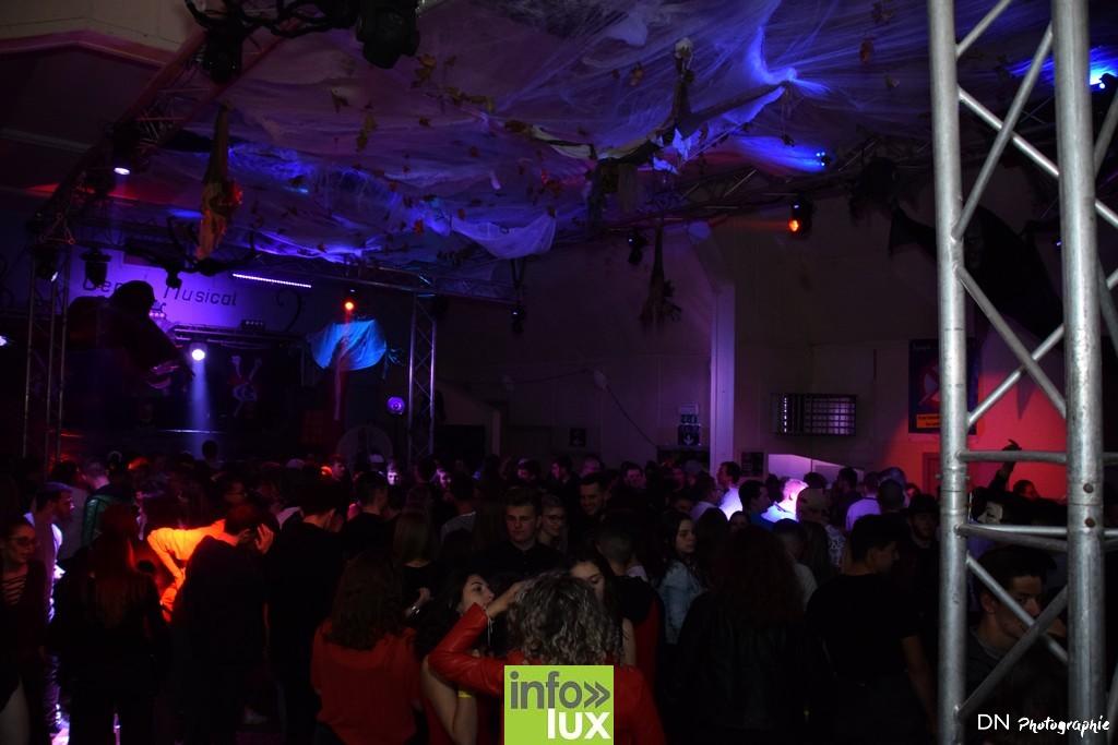 //media/jw_sigpro/users/0000002463/Halloween dancing club a meix dvt/image00372