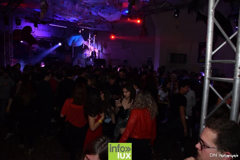 //media/jw_sigpro/users/0000002463/Halloween dancing club a meix dvt/image00373