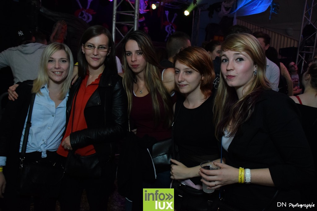 //media/jw_sigpro/users/0000002463/Halloween dancing club a meix dvt/image00383