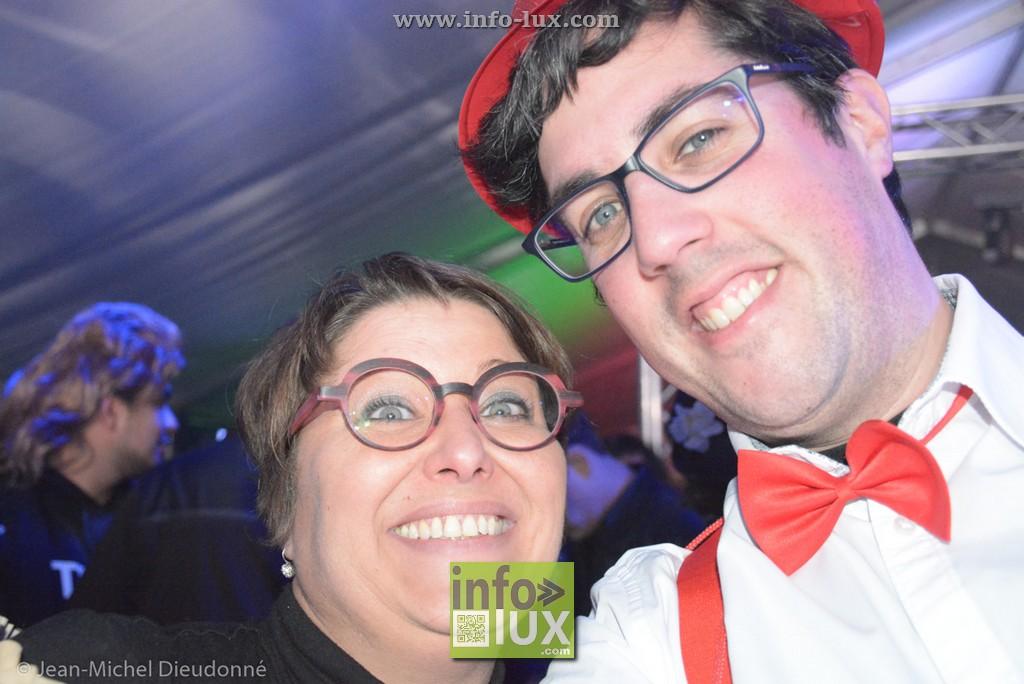 Photos de la soirée costumée du carnaval de Hotton
