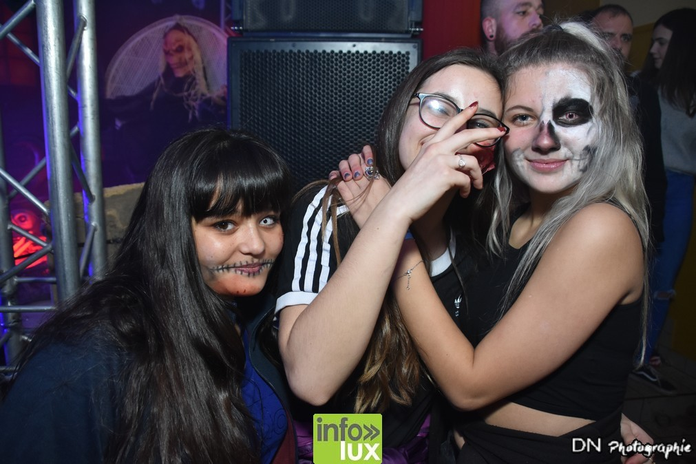 //media/jw_sigpro/users/0000002463/Halloween dancing club meix dvt virton/image00241