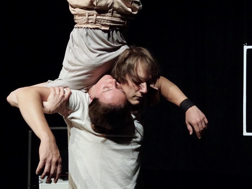 Centre culturel de Nassogne  :  spectacle de cirque acrobatique