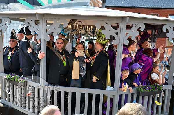 Carnaval d'Hotton :Le kiosque du comite
