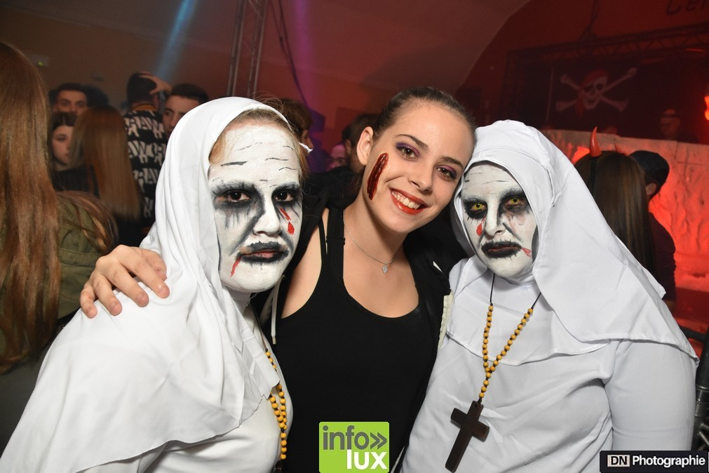 //media/jw_sigpro/users/0000002463/Halloween/image00012