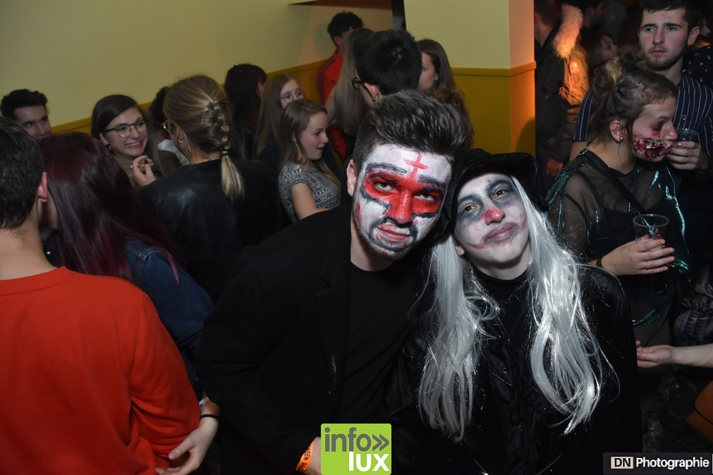 //media/jw_sigpro/users/0000002463/Halloween/image00089