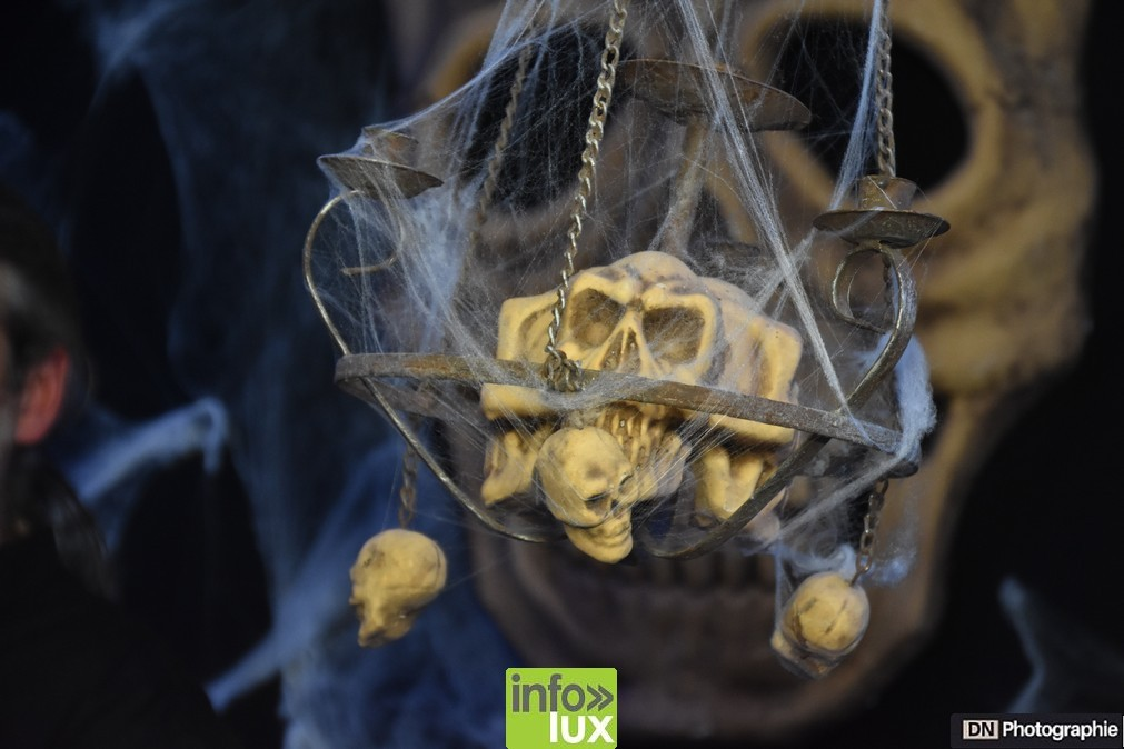 //media/jw_sigpro/users/0000002463/Halloween/image00108