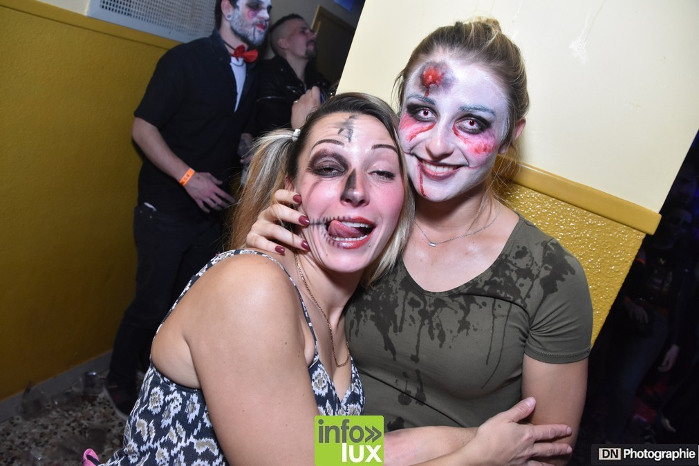 //media/jw_sigpro/users/0000002463/Halloween/image00123