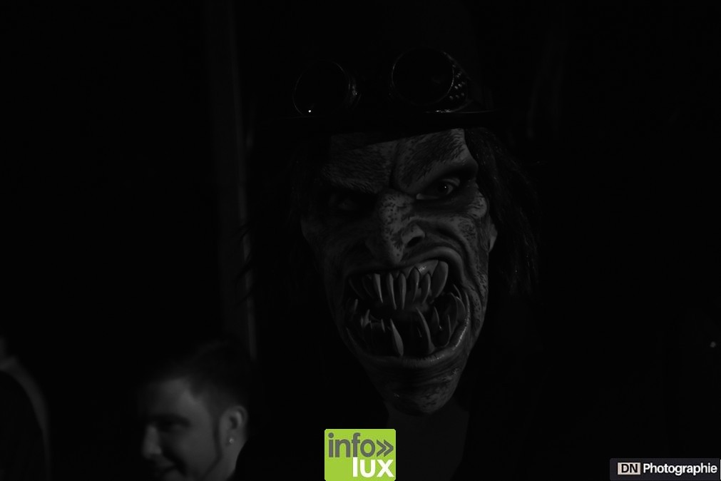 //media/jw_sigpro/users/0000002463/Halloween/image00143