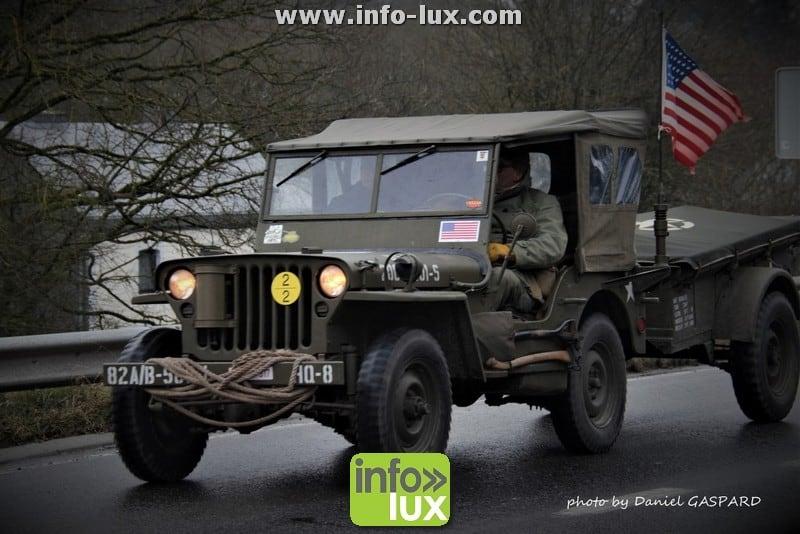 La colonne de la Libération traverse les Ardennes